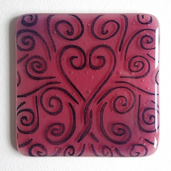 Heart flow coaster in shades of pink and deep blue