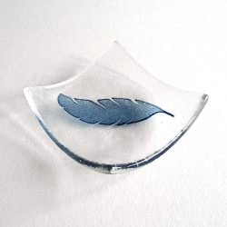Feather bowl in clear glass