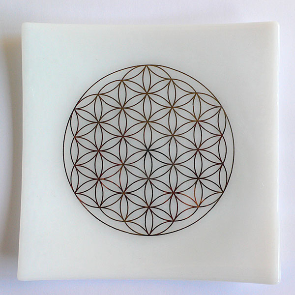 22ct Gold Flower of Life embedded in white glass plate