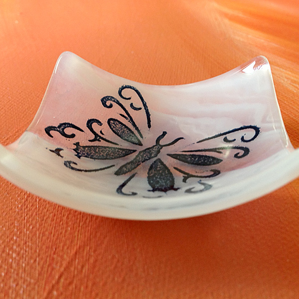 Butterfly bowl on air element glass