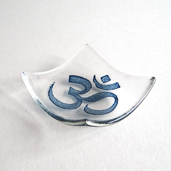 Om bowl in clear glass
