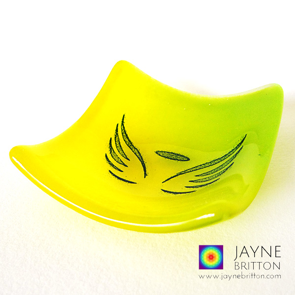 Angel wings bowl in yellow and green glass blend
