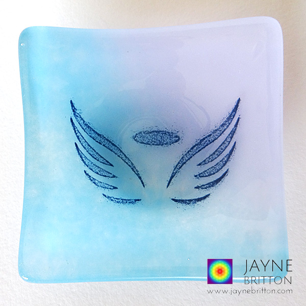 Angel wings bowl in blue and violet glass blend