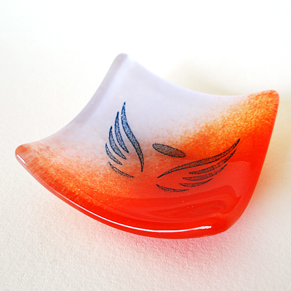 Angel wings bowl in red and violet glass blend