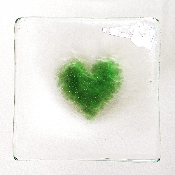 Green heart bowl in clear glass