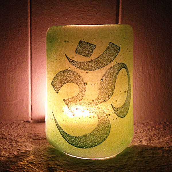 Om Sconce - mini light and candle screen - green blend