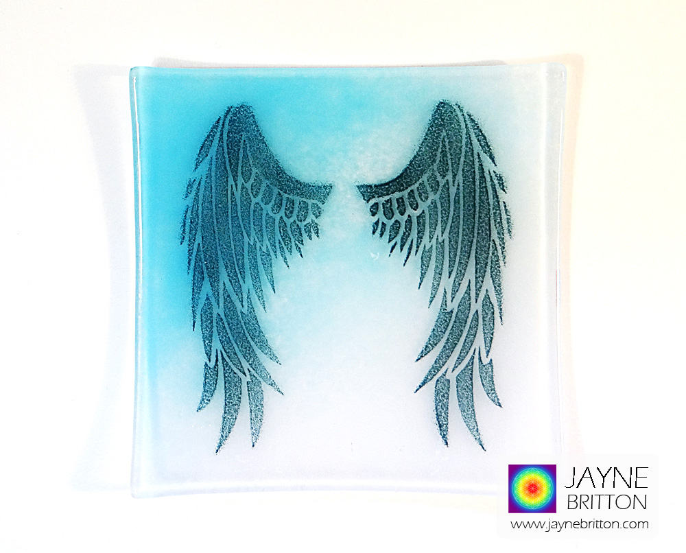 Angel wings plate - blue and white blend
