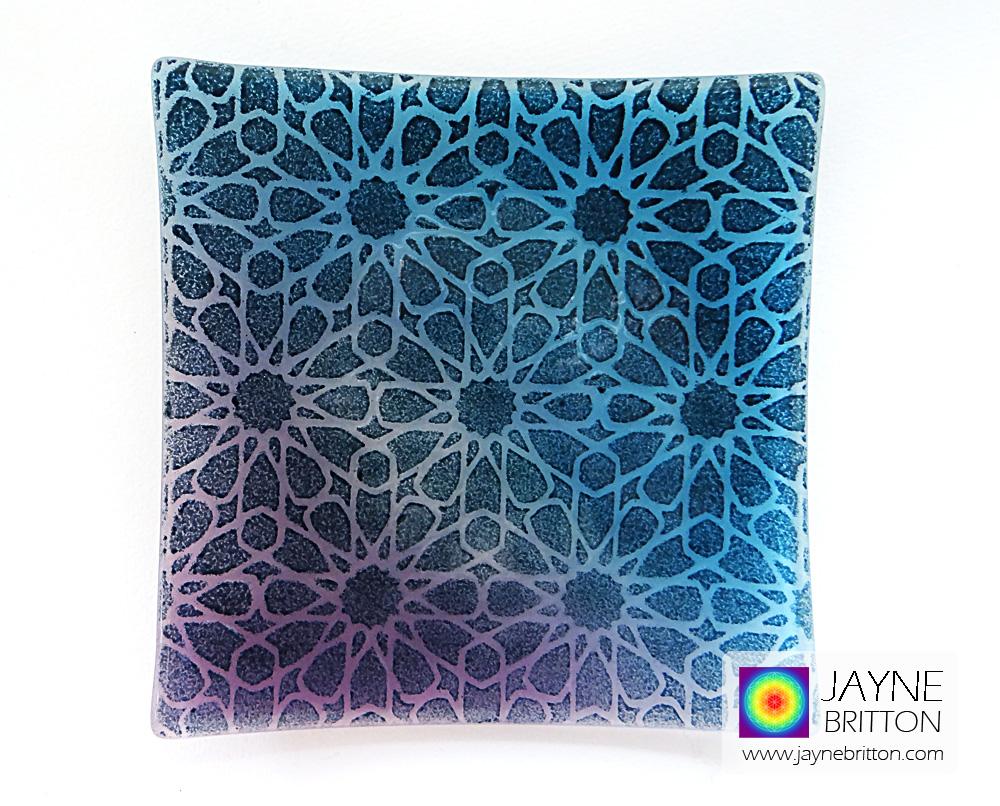 Alhambra Stars altar plate - blue purple blend background